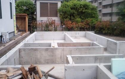 基礎工事。建物のもっとも重要となる基礎の完了です。今回はベタ基礎。